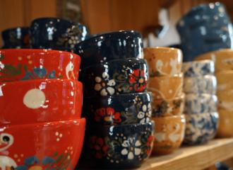 bols colorés faits à partir de la terre naturelle de Soufflenheim