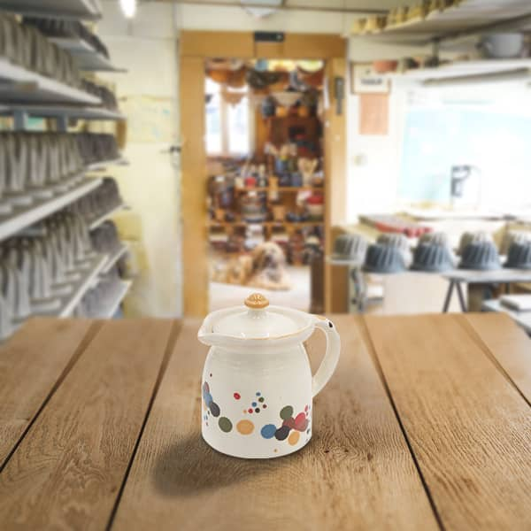 crinoline en terre cuite poterie friedmann, fabriquée à partir de la terre naturelle de soufflenheim, Alsace