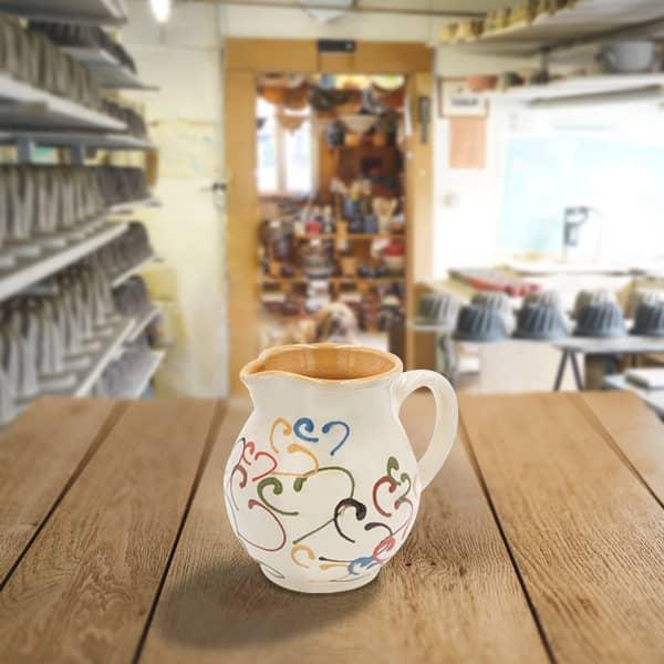 cruche bombée en terre cuite poterie friedmann, fabriquée à partir de la terre naturelle de soufflenheim, Alsace