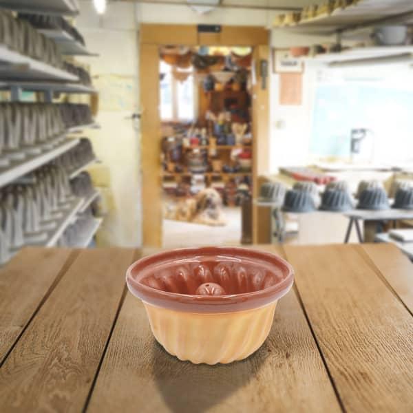 moule à kougelhopf, kouglopf kouglof uni en terre cuite poterie friedmann, fabrication artisanale à partir de la terre naturelle de soufflenheim, Alsace