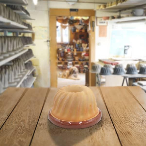 moule à kougelhopf, kouglopf, kouglof uni en terre cuite poterie friedmann, savoir faire familial depuis 1802 à Soufflenheim