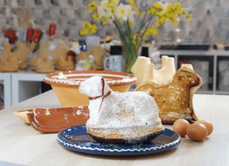 l'agneau pascal alsacien avec le moule à lammele en terre cuite de la poterie friedmann