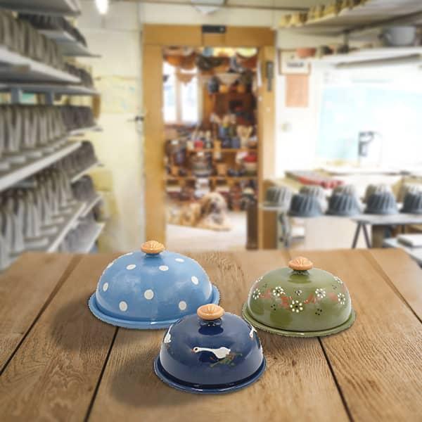 lot cloches à fromage en terre cuite poterie friedmann, savoir faire artisanal