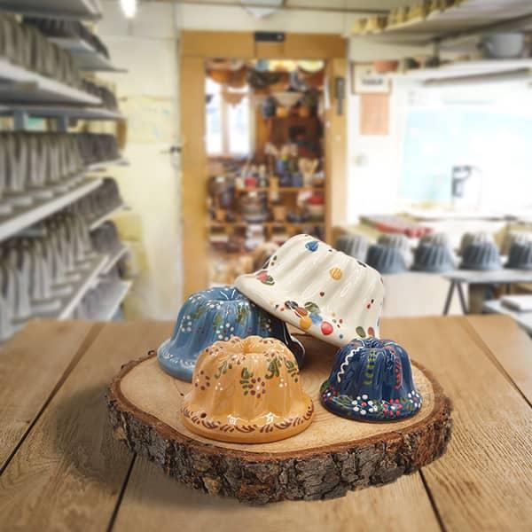 lot moules à kougelhopf, kouglopf, kouglof décorés en terre cuite poterie friedmann, fabrication à partir de la terre naturelle de soufflenheim, Alsace