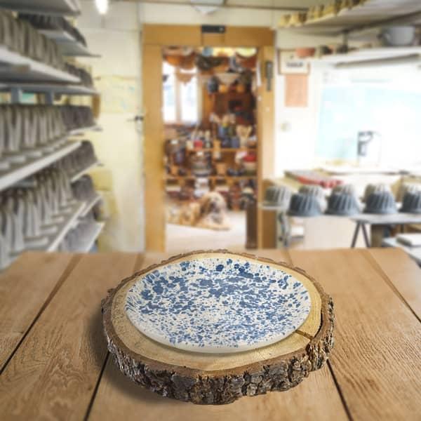assiette en terre cuite poterie friedmann, fabrication artisanale et familiale