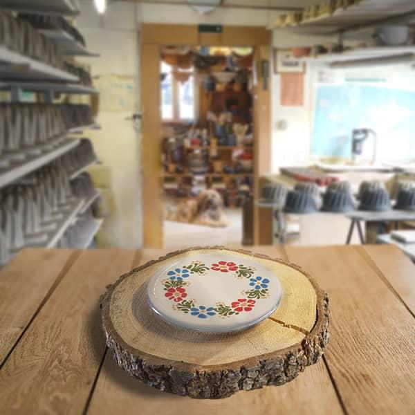 assiette en terre cuite poterie friedmann, savoir faire familial et alsacien