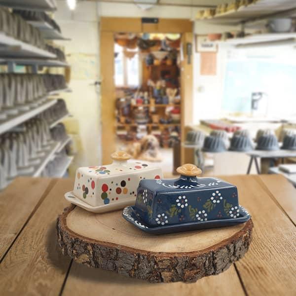 lot beurriers en terre cuite poterie friedmann, famille de potiers depuis 1802 à Soufflenheim en Alsace