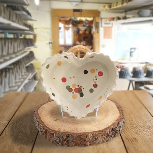 cœur valentin en terre cuite poterie friedmann, fabrication artisanale à partir de la terre naturelle de soufflenheim, Alsace