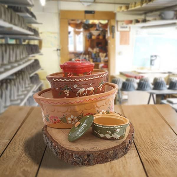 lot terrines ovales, terrines à baeckeoffe en terre cuite poterie friedmann, fabriquées à partir de la terre naturelle de soufflenheim, Alsace