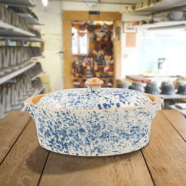 terrine ovale en terre cuite, terrine à baeckeoffe poterie friedmann, fabrication artisanale