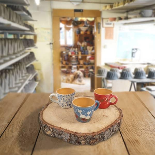 lot petites tasses droites savoir faire artisanal poterie friedmann terre naturelle de soufflenheim