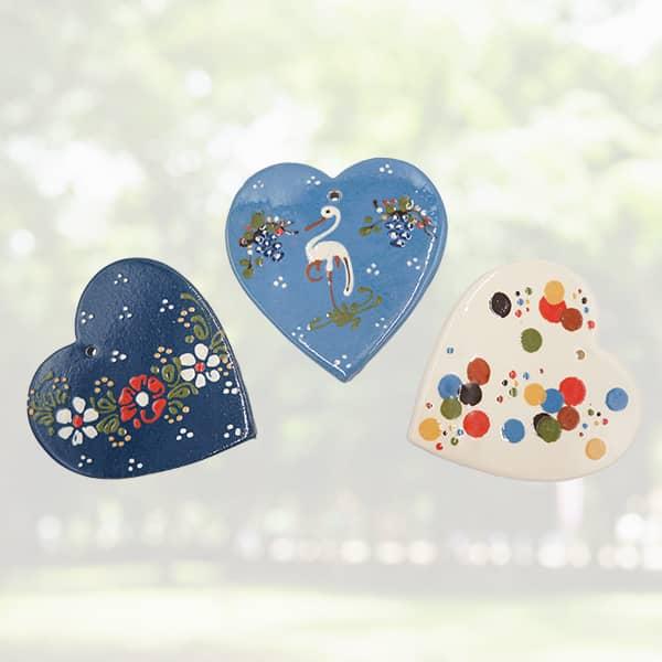 lot plaquettes cœur en terre cuite poterie friedmann, savoir faire artisanal