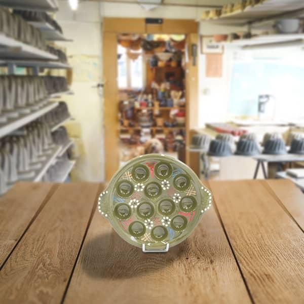 plat escargot en terre cuite poterie friedmann fabrication artisanal en Alsace