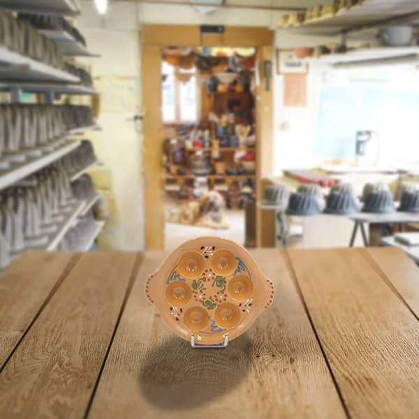 plat escargot en terre cuite poterie friedmann, famille de potiers depuis 1802 à Soufflenheim en Alsace